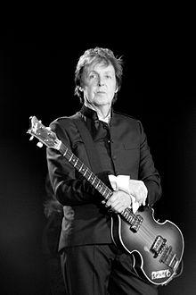 220px-Paul_McCartney_black_and_white_2010