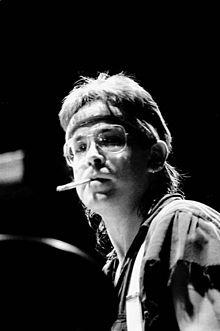 220px-Jeff_Porcaro_Toto_Fahrenheit_World_Tour_1986